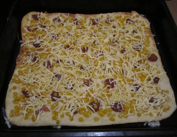 пицца  кукурудзой