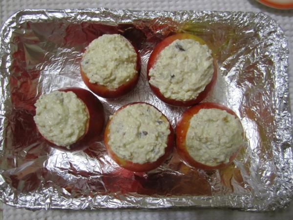 яблоки перед выпечкой