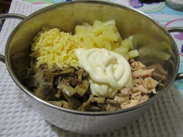 ингредиенты салата смешать с майонезом