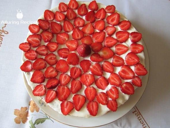 598f132d405b7_strawberry_cake_3